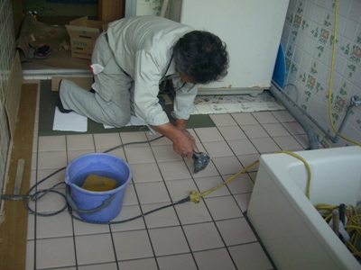 O邸浴室改修~介護保険適用工事~タイル貼り